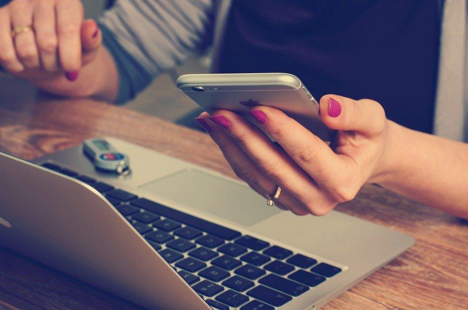 6 técnicas para você abordar clientes por telefone e vender cada vez mais em ligações