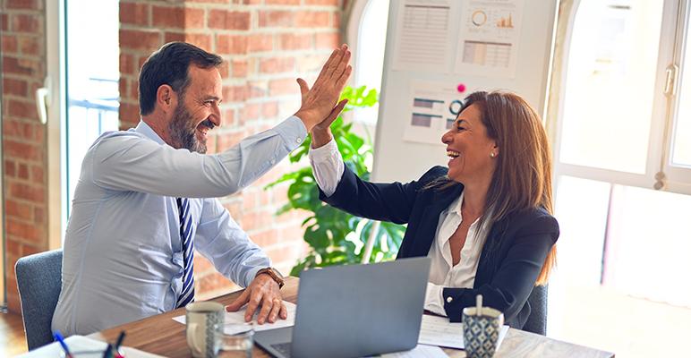 Como motivar equipe de vendas? 5 dicas + exemplos