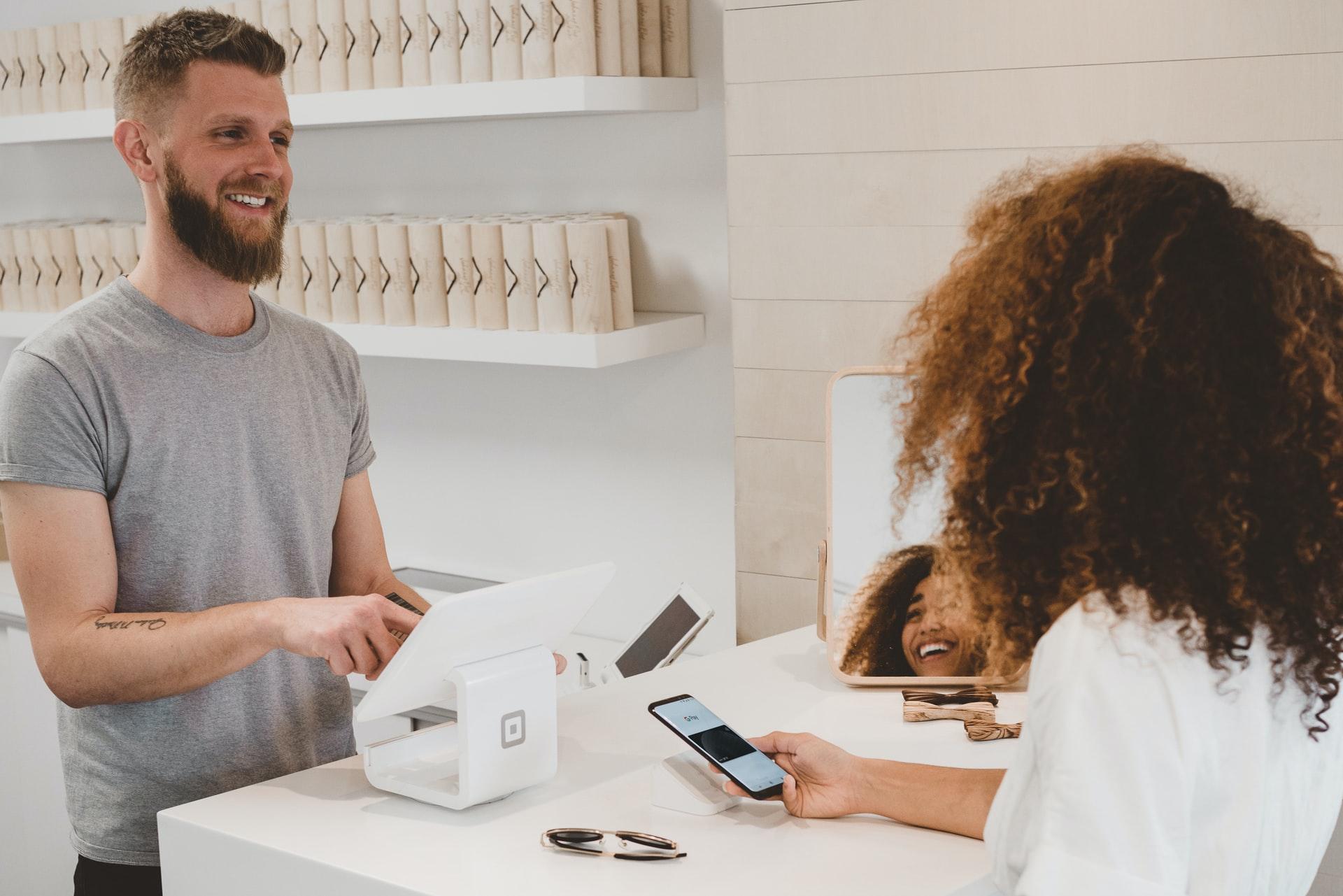 Como melhorar o atendimento ao cliente em 6 passos que vão garantir a eficiência desse processo