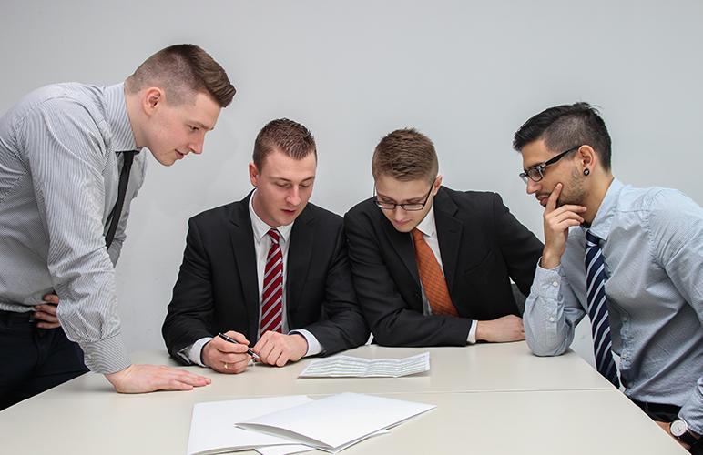 Como ser um gerente comercial de sucesso? Guia completo para entrar na profissão