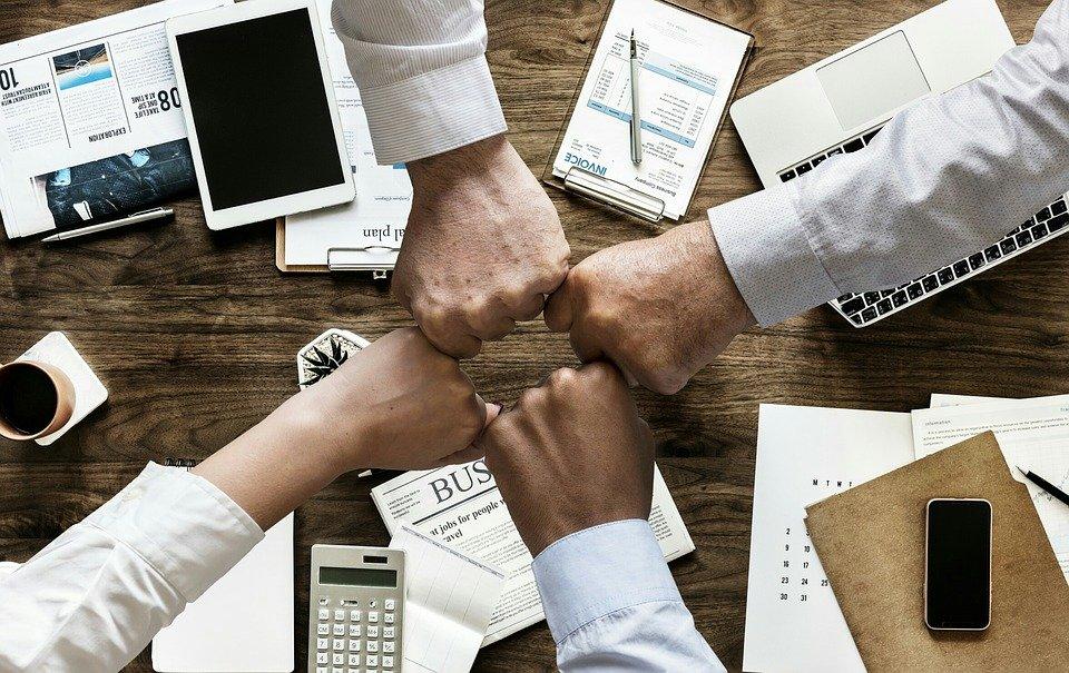 Como criar um departamento comercial e ter um time de vendas campeão!